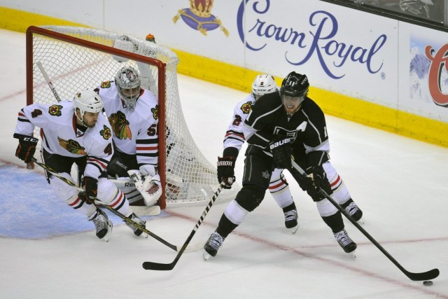Tandis que les Kings tentaient de mettre de... (Photo Gary A. Vasquez, USA TODAY Sports)