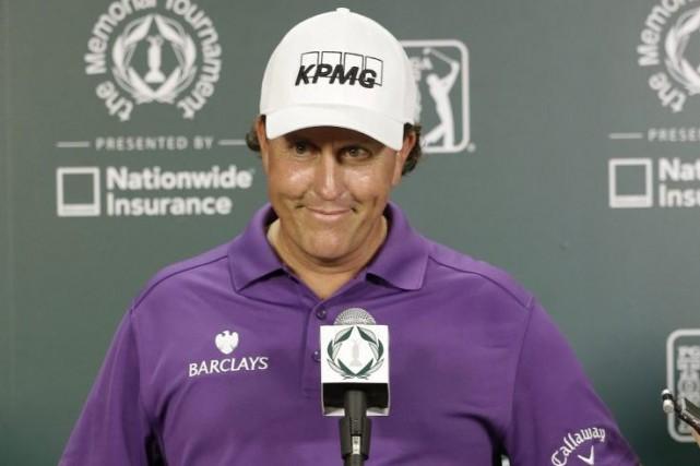 PhilMickelson, vainqueur de cinq tournois majeurs depuis le... (Photo Darron Cummings, AP)