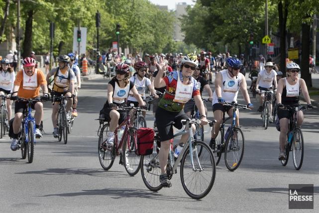 Environ 30000 participants, jeunes et moins jeunes, ont... (PHOTO ROBERT SKINNER, LA PRESSE)