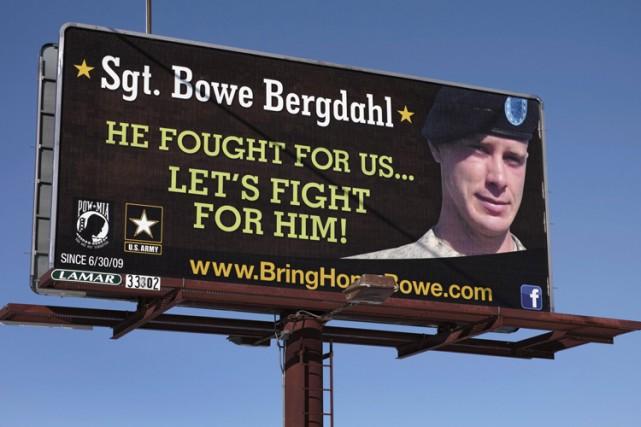 Une affiche en soutien ausergent Bowe Bergdahl a... (Archives Reuters)
