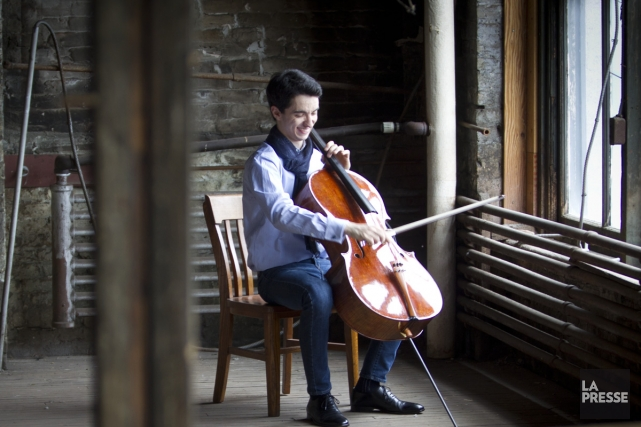 Le violoncelliste Stéphane Tétreault s'apprête à entrer dans... (Photo: Olivier Jean, La Presse)