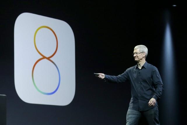 Le patron d'Apple,Tim Cook... (Photo Jeff Chiu, AP)