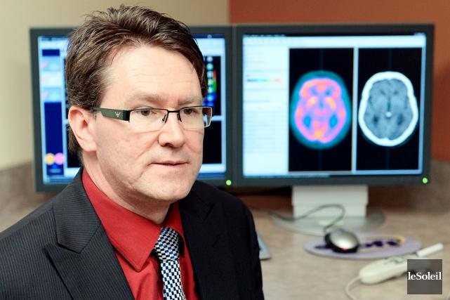 Dr Robert Jr. Laforce, neurologue et neuropsychologue à... (Le Soleil, Erick Labbé)