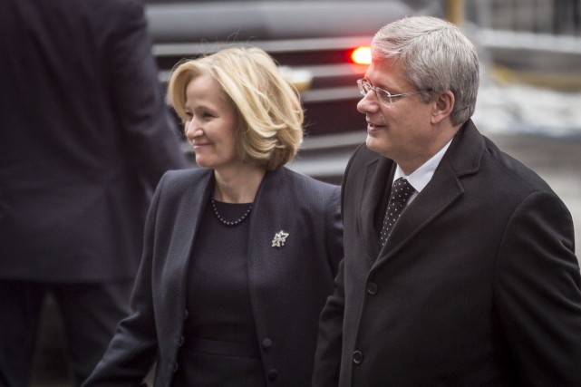 Laureen et Stephen Harper.... (Photo Menahem Kahana, Agence France-Presse)