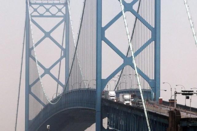 Il semble que le pont Ambassador, qui a... (Photo Paul Sancya, archives La Presse Canadienne)