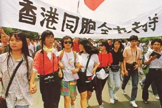 Liane Lee, troisième à partir de la droite... (PHOTO FOURNIE PAR LIANE LEE)
