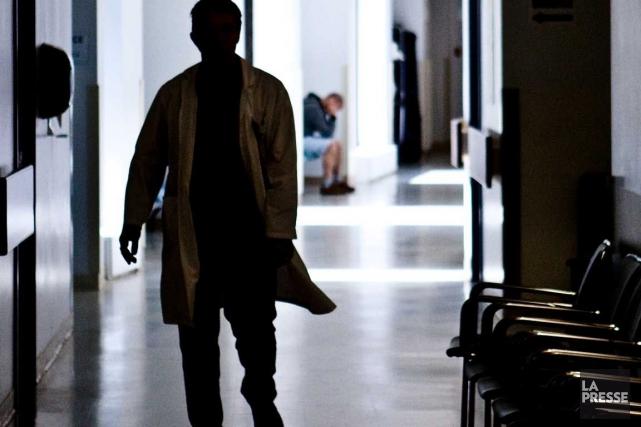 À l'hôpital Pierre-Le Gardeur, deux des sept postes... (Photo archives La Presse)