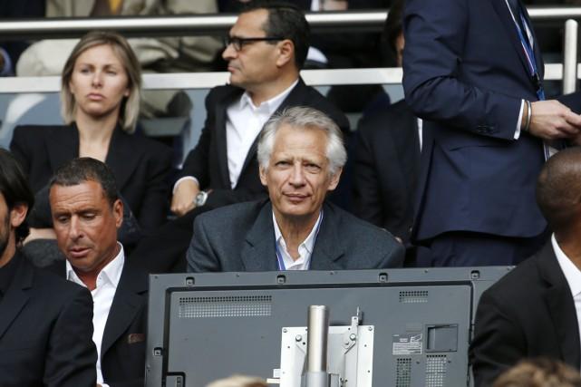 Dominique de Villepin assiste à un match de... (PHOTO BENOIT TESSIER, ARCHIVES REUTERS)