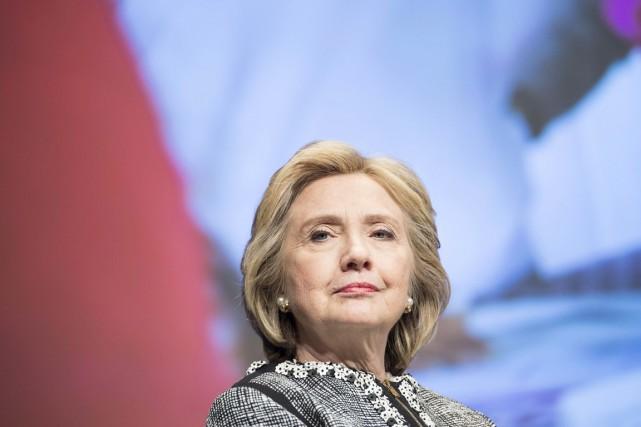 Par ailleurs, Hillary Clinton réaffirme n'avoir pris aucune... (PHOTO BRENDAN SMIALOWSKI, ARCHIVES AFP)