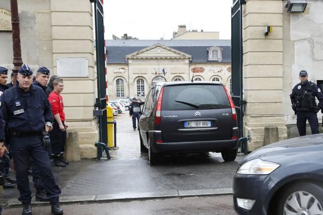 Mehdi Nemmouche est arrivé à la cour de... (PHOTO THOMAS SAMSON, AFP)