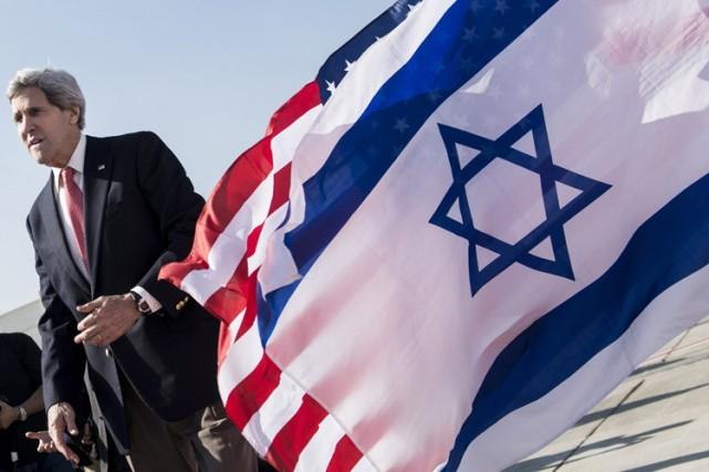 Le secrétaire d'État américain John Kerrya défendu mercredi... (Archives AFP)