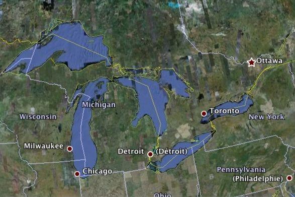 Le niveau de l'eau des Grands Lacs a considérablement augmenté depuis 18 mois... (Google Earth)