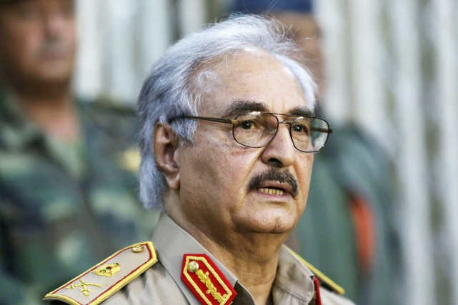Le général dissident de 71 ans a été... (PHOTO ESAM OMRAN AL-FETORI, REUTERS)