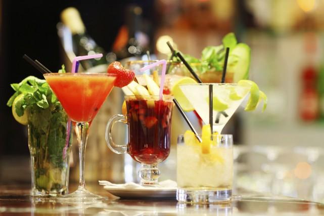 Les Canadiens sous-estiment la quantité d'alcool qu'ils consomment dans une... (Photo Digital/Thinkstock)