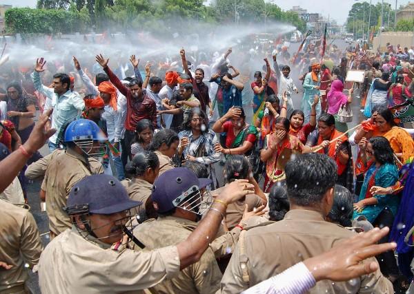 En réaction au viol collectif et au meurtre... (Photo Pawan Kumar, reuters)