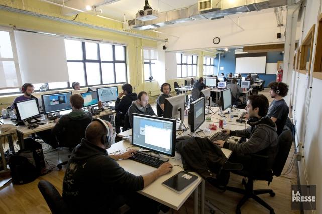 Québec compte économiser au moins 87 millions en... (Photo Robert Skinner, La Presse)