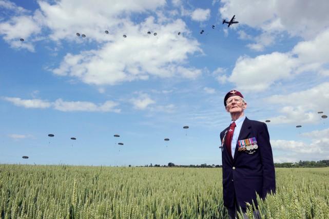 Frederick Glover, vétéran de la Deuxième Guerre mondiale,... (PHOTO THOMAS BREGARDIS, AFP)