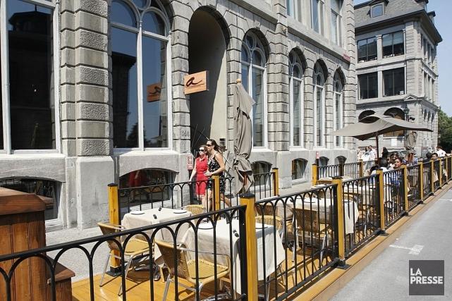En devenant officiellement propriétaire des Cours Saint-Pierre, la... (PHOTO PATRICK SANSFAÇON, LA PRESSE)