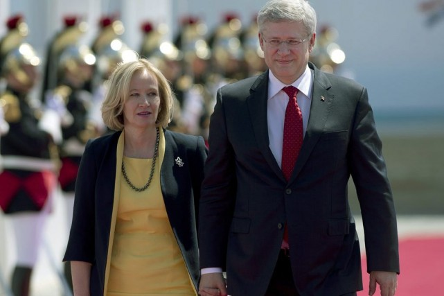 Laureen et Stephen Harper... (Photo Adrian Wyld, La Presse Canadienne)