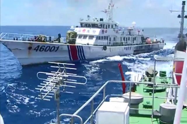 Les images vidéo, prises d'un navire vietnamien, montrent... (IMAGE ARCHIVES AFP/GARDE CÔTIÈRE VIETNAMIENNE)