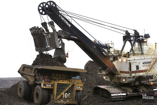 Une mine de sables bitumineux en Alberta.... (Photo Alain Roberge, archives La Presse)
