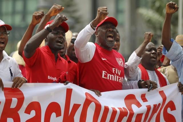 Des membres de la campagne «#BringBackOurGirls» ont manifesté... (PHOTO AFOLABI SOTUNDE, REUTERS)