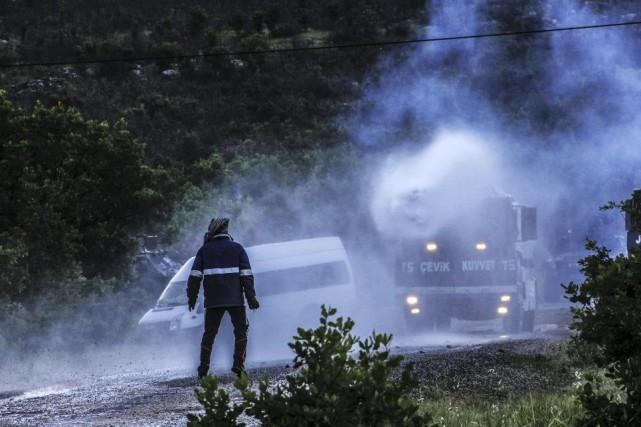 Le conflit entre les forces gouvernementales turques et... (PHOTO ILYAS AKENGIN, ARCHIVES AFP)