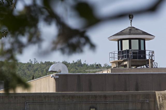 Des travaux ont débuté hier à la prison d'Orsainville pour prévenir les...
