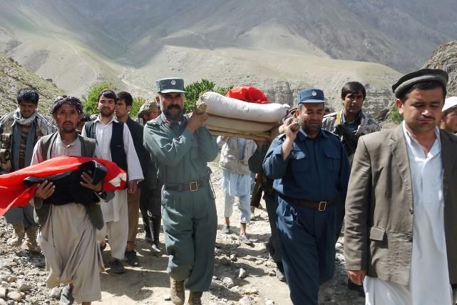 L'armée a été mobilisée pour apporter l'aide aux... (Photo Javib Basharat, AP)