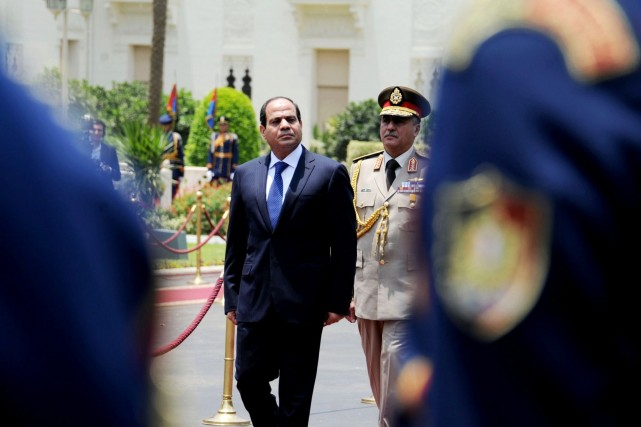 L'ex-chef de l'armée Abdel Fattah al-Sissi... (PHOTO ARCHIVES ASSOCIATED PRESS)