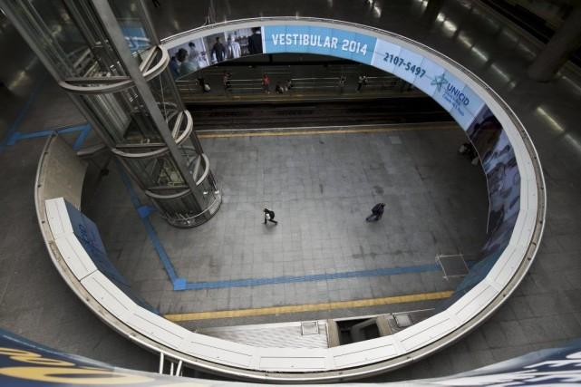 La station de métro Se de Sao Paulo... (PHOTO NELSON ALMEIDA, AFP)