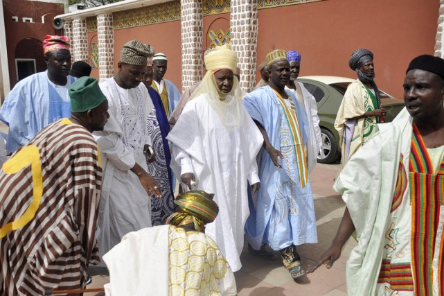 Sanusi Lamido Sanusi (au centre) a été nommé émir... (PHOTO ARCHIVES REUTERS/STRINGER)