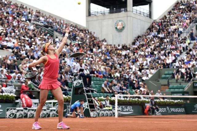 En demi-finale de Roland-Garros, Eugenie Bouchard affrontait son... (Photo Miguel Medina, AFP)