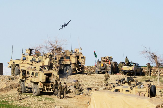 Les forces afghanes.... (PHOTO ROBERTO SCHMIDT, ARCHIVES AFP)