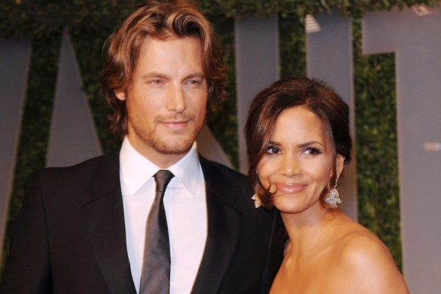 Gabriel Aubry et Halle Berry en février 2009.... (Photo: archives AP)