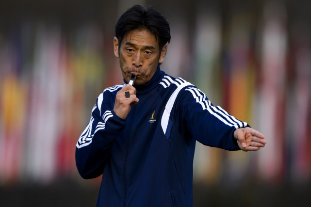 L'arbitre japonais Yuichi Nishimura.... (Photo Fabrice Coffrini, AFP)