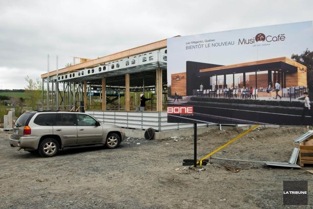 Le nouveau Musi-Café en construction à Lac-Mégantic... (Photo Jessica Garneau, Archives La Tribune)