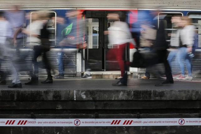 Un train sur trois en moyenne fonctionne aujourd'hui... (PHOTO CHRISTIAN HARTMANN, REUTERS)