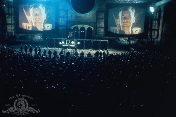 Une projection du film 1984 basé sur le roman anti-totalitaire de... (Photo: fournie par MGM)