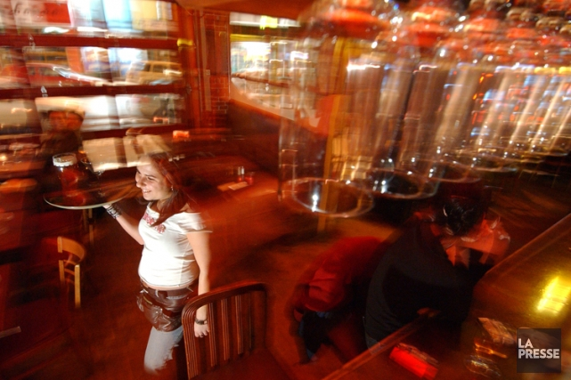 Le projet-pilote prévoyait que 19 bars des rues... (Photo Patrick Sanfaçon, La Presse)