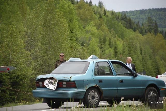 La voiture où se trouvaient les deux corps... (Photo Johanne Fournier, collaboration spéciale Le Soleil)