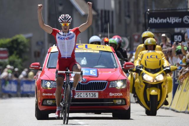 Le Slovène Simon Spilak célèbre en franchissant la... (Photo Lionel Bonaventure, AFP)