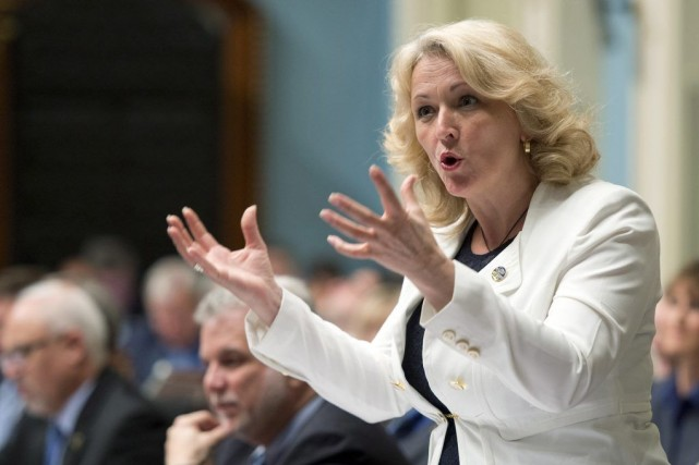 La ministre de la Sécurité publique, Lise Thériault... (PHOTO ARCHIVES LA PRESSE CANADIENNE)