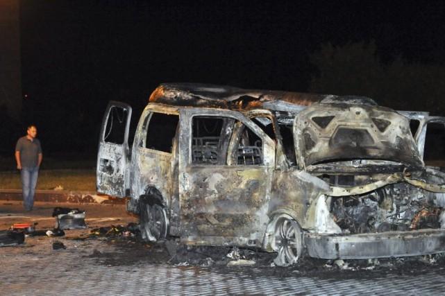 L'explosion de jeudi s'est produite à l'extérieur du... (PHOTO Alexander KHUDOTEPLY, AFP)