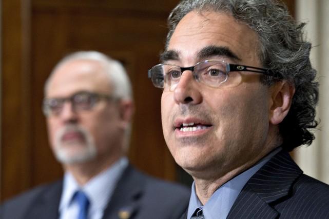Luc Godbout, président de la Commission d'examen de... (Photo Jacques Boissinot, La Presse Canadienne)