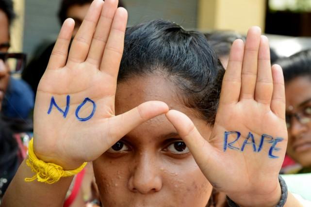Unw jeune fille participe à une journée contre... (PHOTO NOAH SEELAM, ARCHIVES AFP)