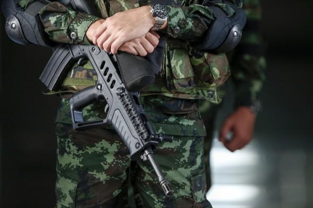 Depuis le putsch, l'armée a largement limité les... (PHOTO ATHIT PERAWONGMETH, REUTERS)