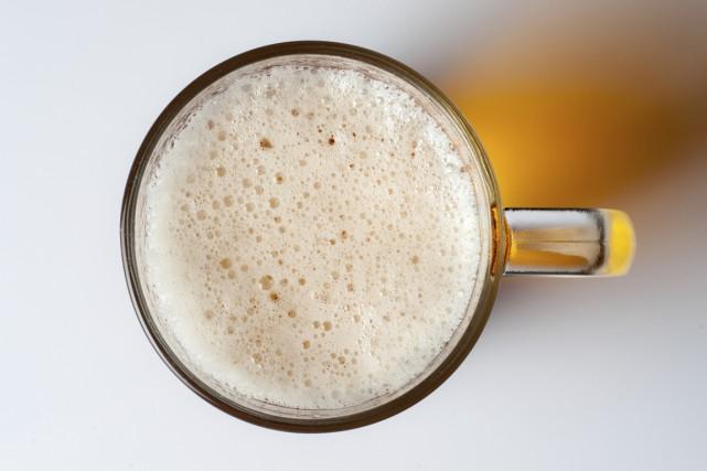Contrairement à la bière industrielle, la bière artisanale... (Photo Digital/Thinkstock)