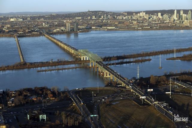 Une fermeture complète et sans préavis du pont... (Photo Martin Chamberland, La Presse)
