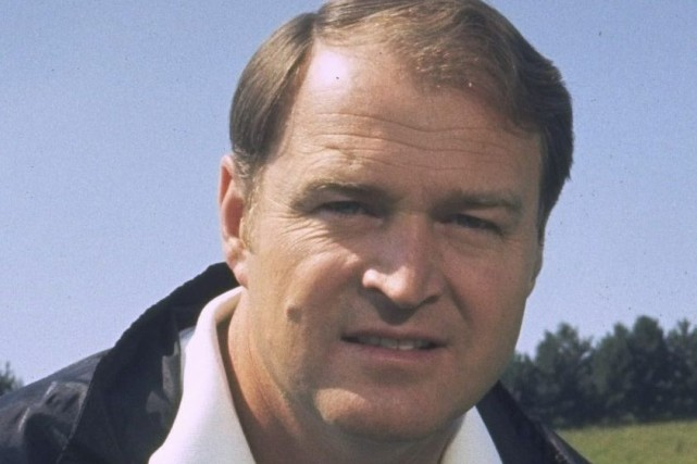 Chuck Noll a transformé les Steelers d'équipe de... (Photo d'archives, AP)